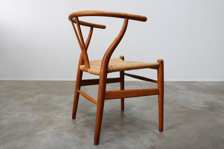 Set of Four CH24 ''Wishbone'' Chairs by Hans J. Wegner Oak Papercord Carl Hansen For Sale 5