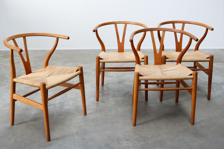 Set of Four CH24 ''Wishbone'' Chairs by Hans J. Wegner Oak Papercord Carl Hansen For Sale 8
