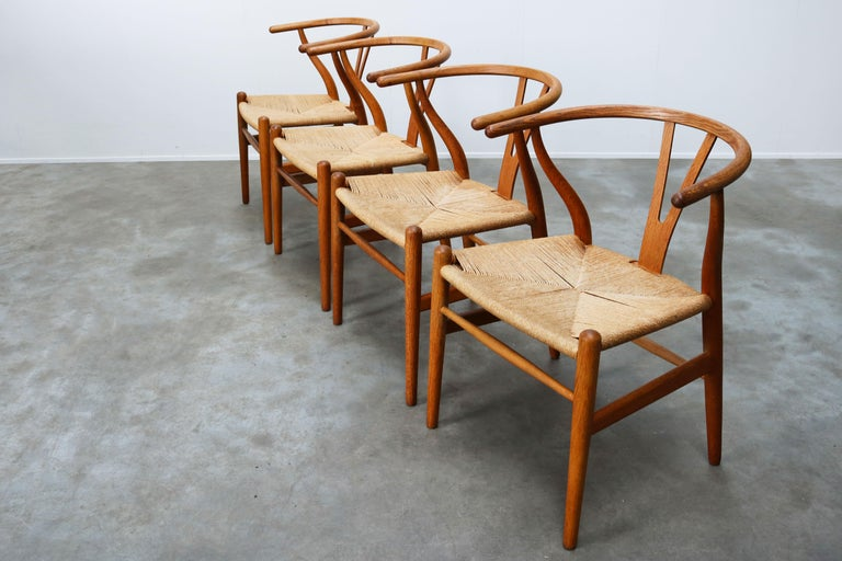 Set of Four CH24 ''Wishbone'' Chairs by Hans J. Wegner Oak Papercord Carl Hansen For Sale 1