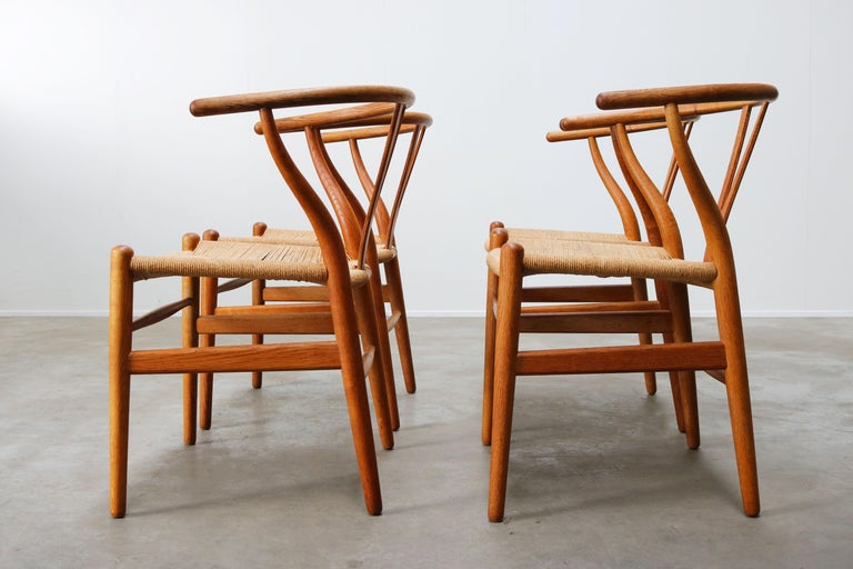 Set of Four CH24 ''Wishbone'' Chairs by Hans J. Wegner Oak Papercord Carl Hansen For Sale 2