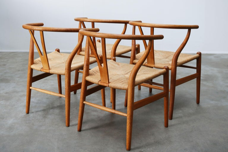 Set of Four CH24 ''Wishbone'' Chairs by Hans J. Wegner Oak Papercord Carl Hansen For Sale 3
