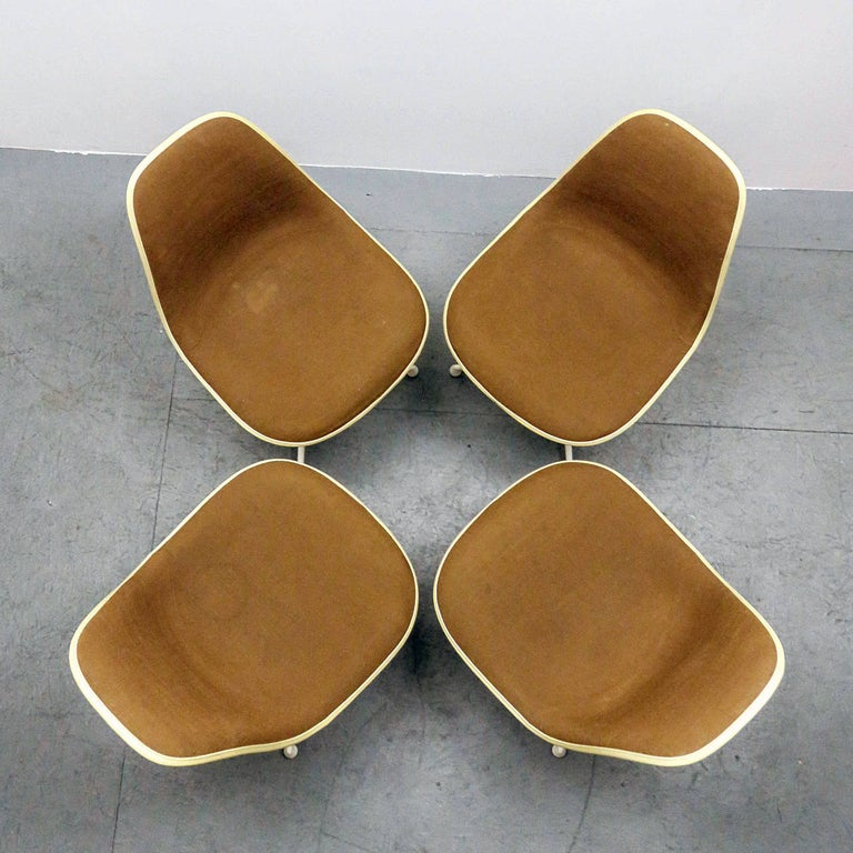 Set of Four Charles and Ray Eames La Fonda Chairs In Good Condition For Sale In Los Angeles, CA