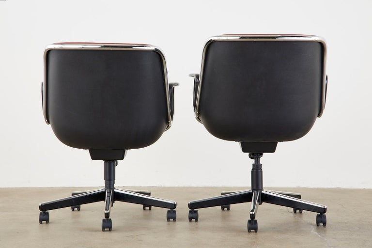 Set of Four Charles Pollock for Knoll Leather Executive Desk Chairs For Sale 3