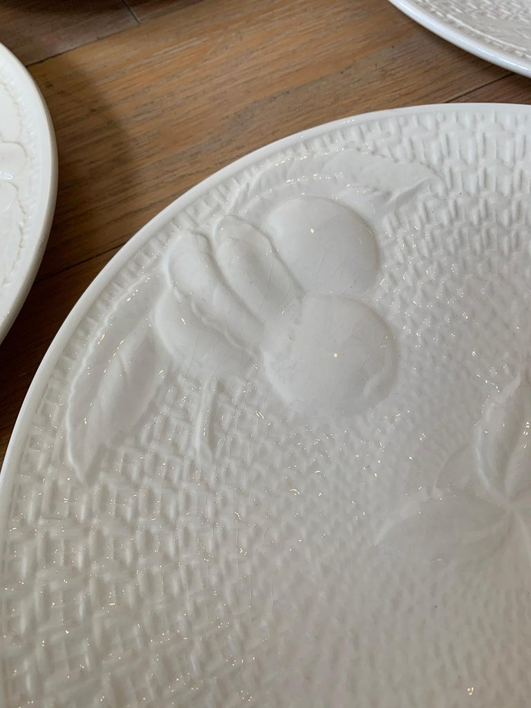 Set of Four circa 1950s White Ceramic Embossed Fruit Plates by Ed Langbein For Sale 6