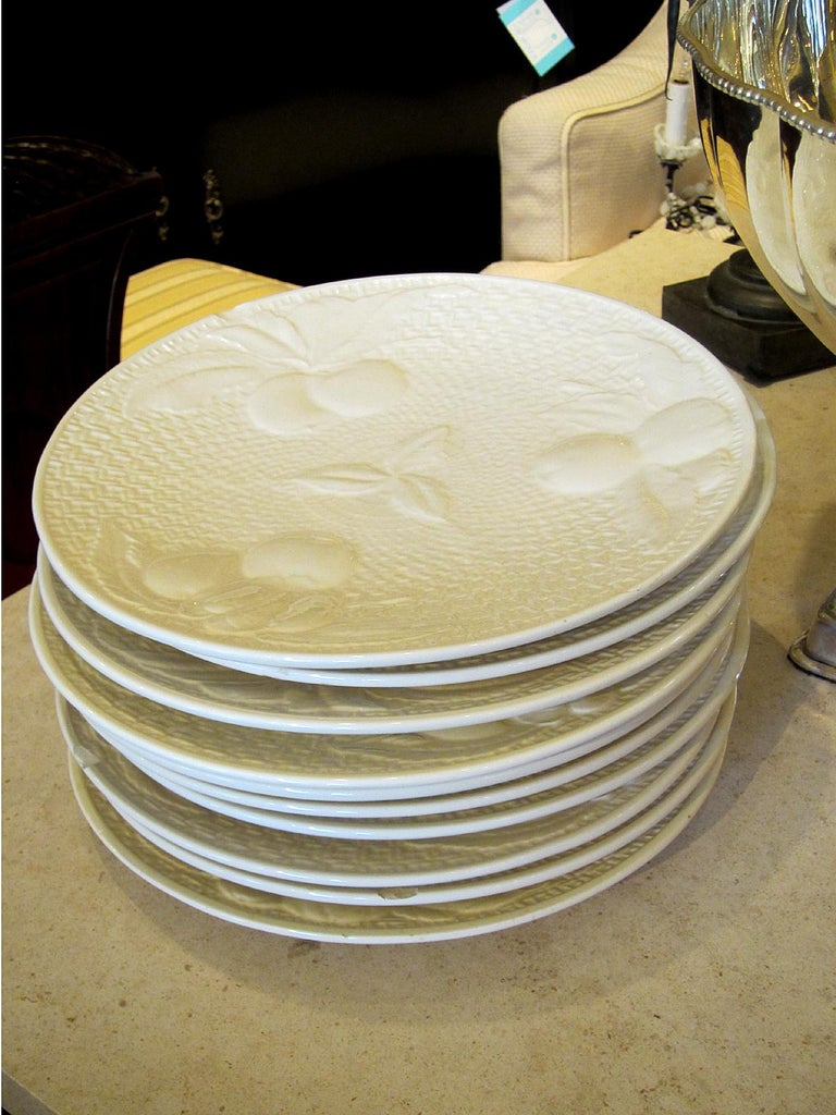 20th Century Set of Four circa 1950s White Ceramic Embossed Fruit Plates by Ed Langbein For Sale