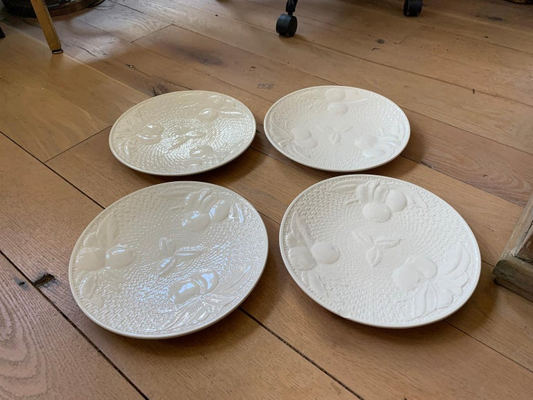 Set of Four circa 1950s White Ceramic Embossed Fruit Plates by Ed Langbein For Sale 2