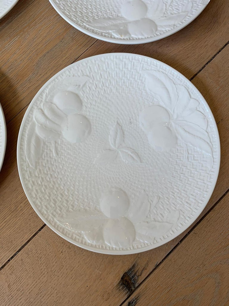 Set of Four circa 1950s White Ceramic Embossed Fruit Plates by Ed Langbein For Sale 3