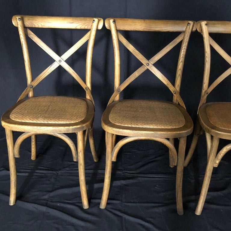 Set of Four Classic French Bentwood Bistro Chairs with Woven Seats In Good Condition For Sale In Hopewell, NJ