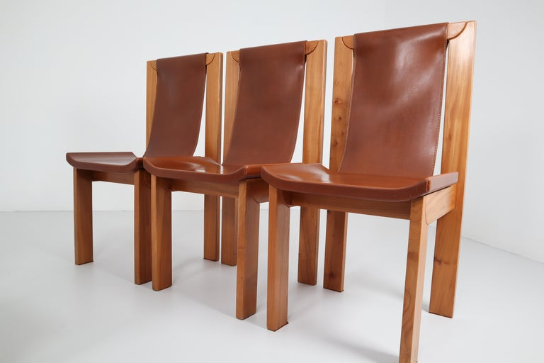 Mid-Century Modern Set of Four Cognac Leather Dining Chairs in Elmwood, France, 1960s For Sale