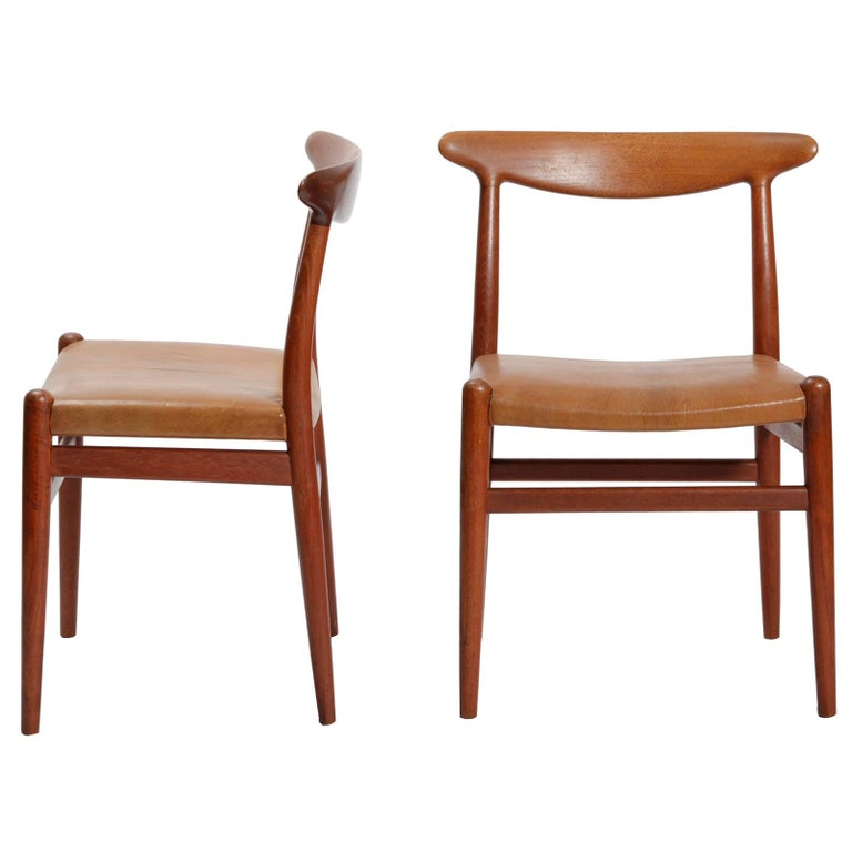 Set of Four Danish Dining Chairs Designed by Hans Wegner For Sale