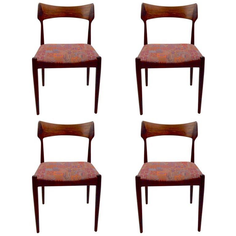 Set of Four Danish Mid Century Dining Chairs in Rosewood Attributed to AM Mobler For Sale