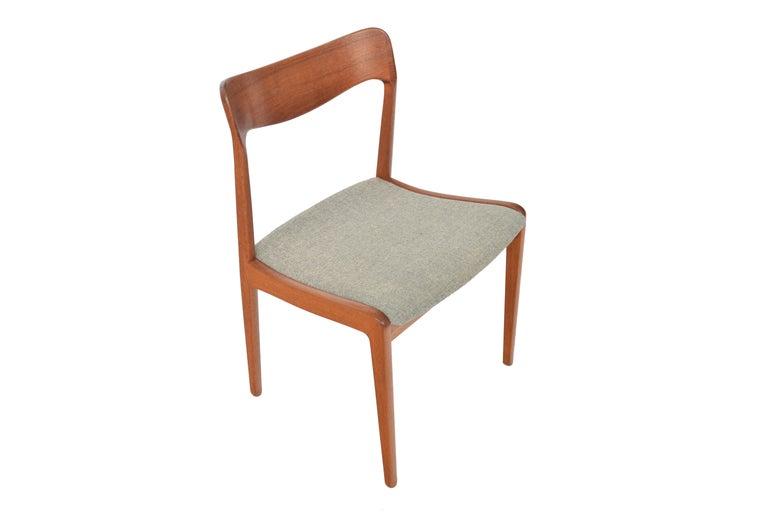 Scandinavian Modern Set of Four Danish Modern Dining Chairs in Teak For Sale