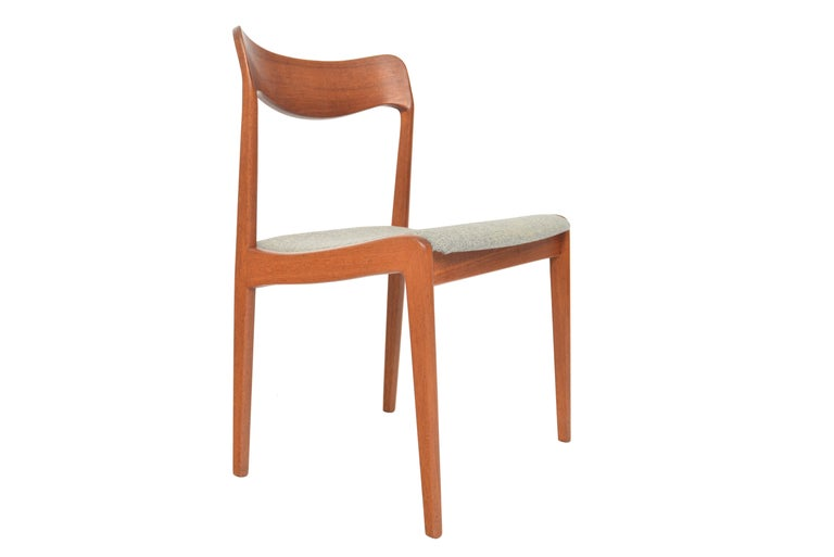 Set of Four Danish Modern Dining Chairs in Teak In Good Condition For Sale In Berkeley, CA