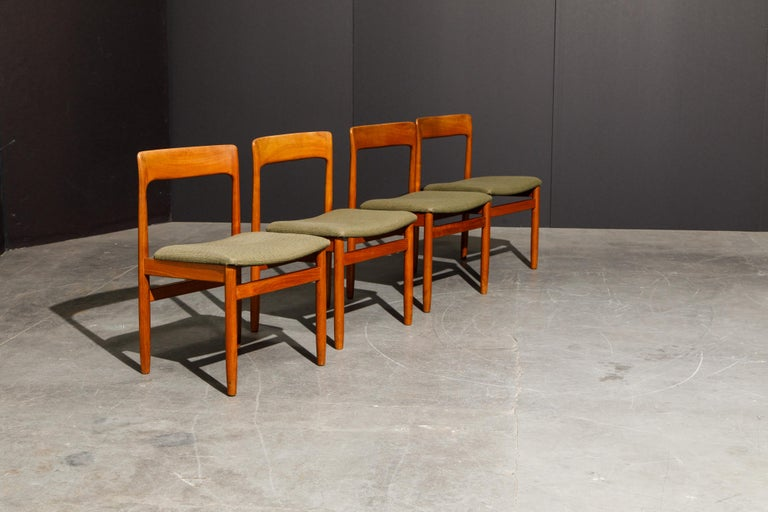 Mid-20th Century Set of Four Danish Modern Teak Dining Side Chairs in the Style of Niels Møller  For Sale