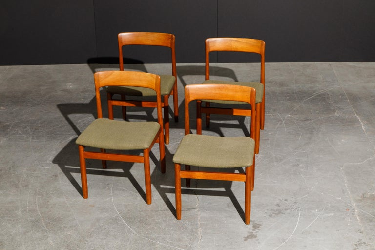 Set of Four Danish Modern Teak Dining Side Chairs in the Style of Niels Møller  For Sale 1