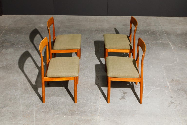 Set of Four Danish Modern Teak Dining Side Chairs in the Style of Niels Møller  For Sale 2