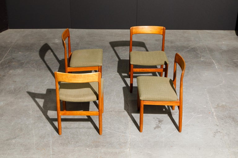 Set of Four Danish Modern Teak Dining Side Chairs in the Style of Niels Møller  For Sale 3