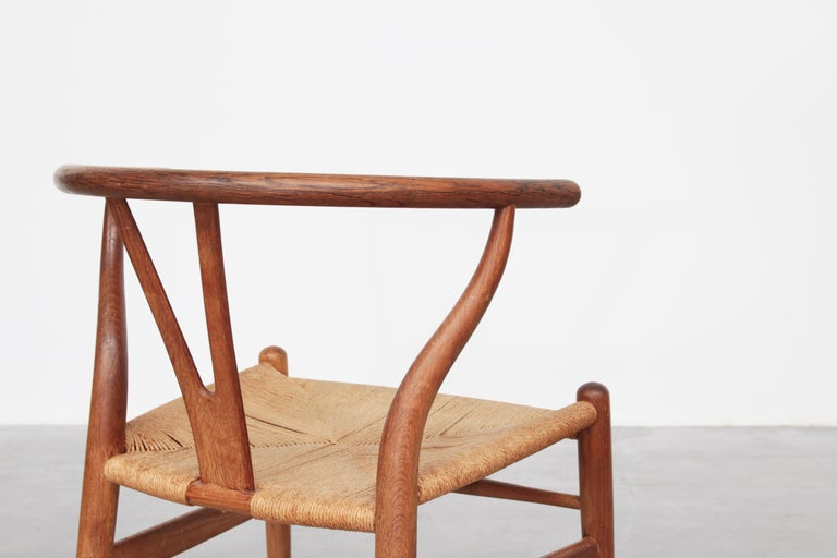 Set of Four Danish Wishbone Chairs CH 24 by Hans J. Wegner for Carl Hansen Oak For Sale 3