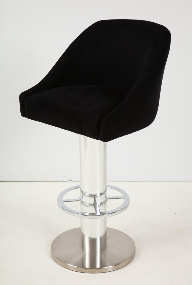 Set of Four Design For Leisure Barstools in Chrome and Ultrasuede In Good Condition For Sale In New York, NY