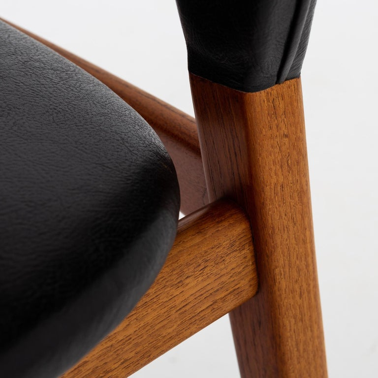 Set of Four Dining Chairs in Teak by Tove & Edvard Kindt Larsen For Sale 1