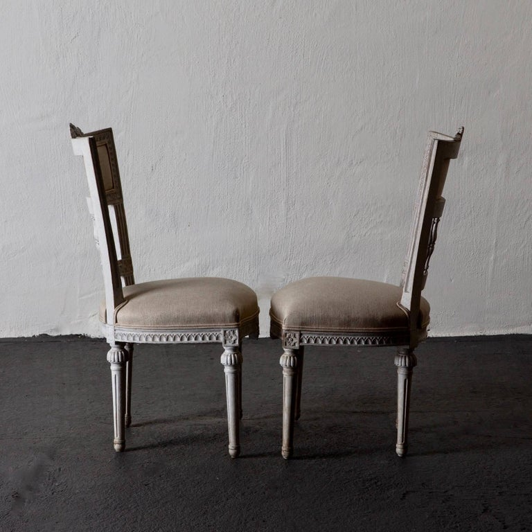 Set of Four Dining Chairs, Swedish Gustavian 19th Century White, Sweden In Good Condition For Sale In New York, NY