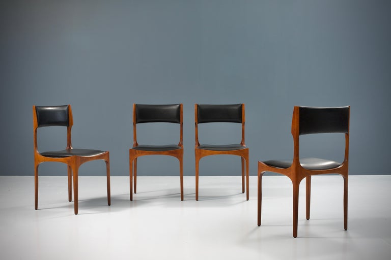 Italian Set of Four Dining Chairs in Oak and Faux Leather by Giuseppe Gibelli, 1962 For Sale