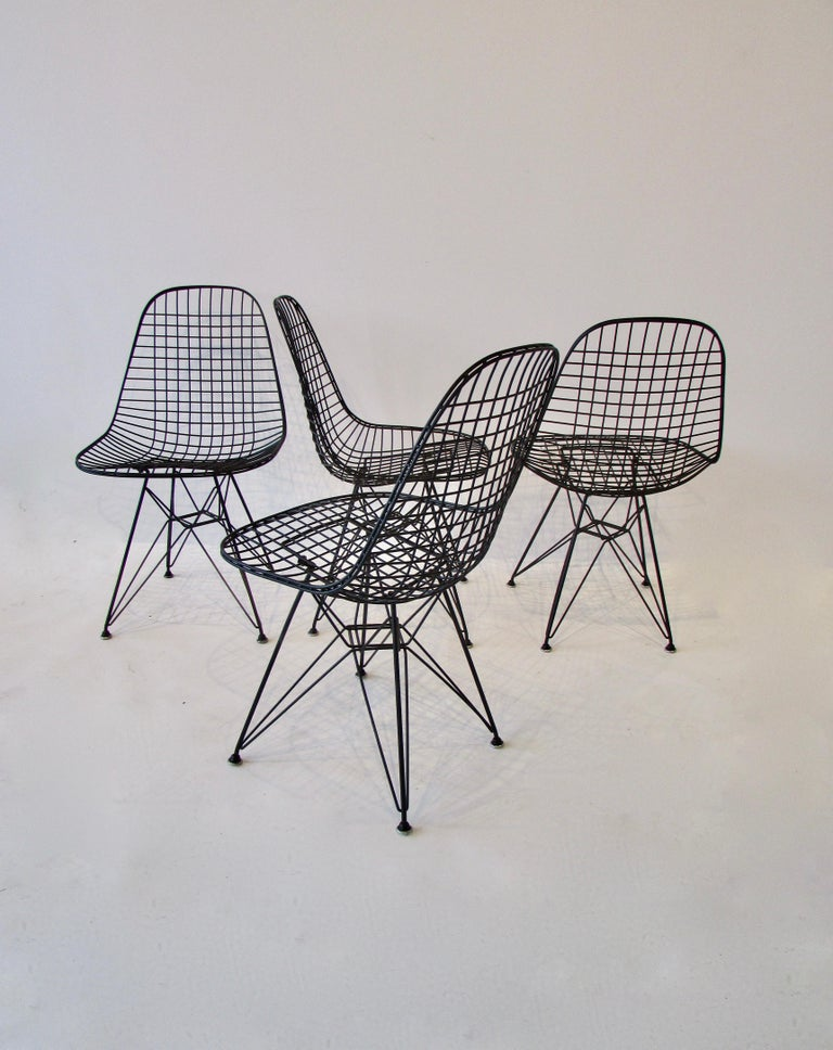 Set of Four Eames for Herman Miller Black DKR Wire Chairs on Eiffel Bases For Sale 2