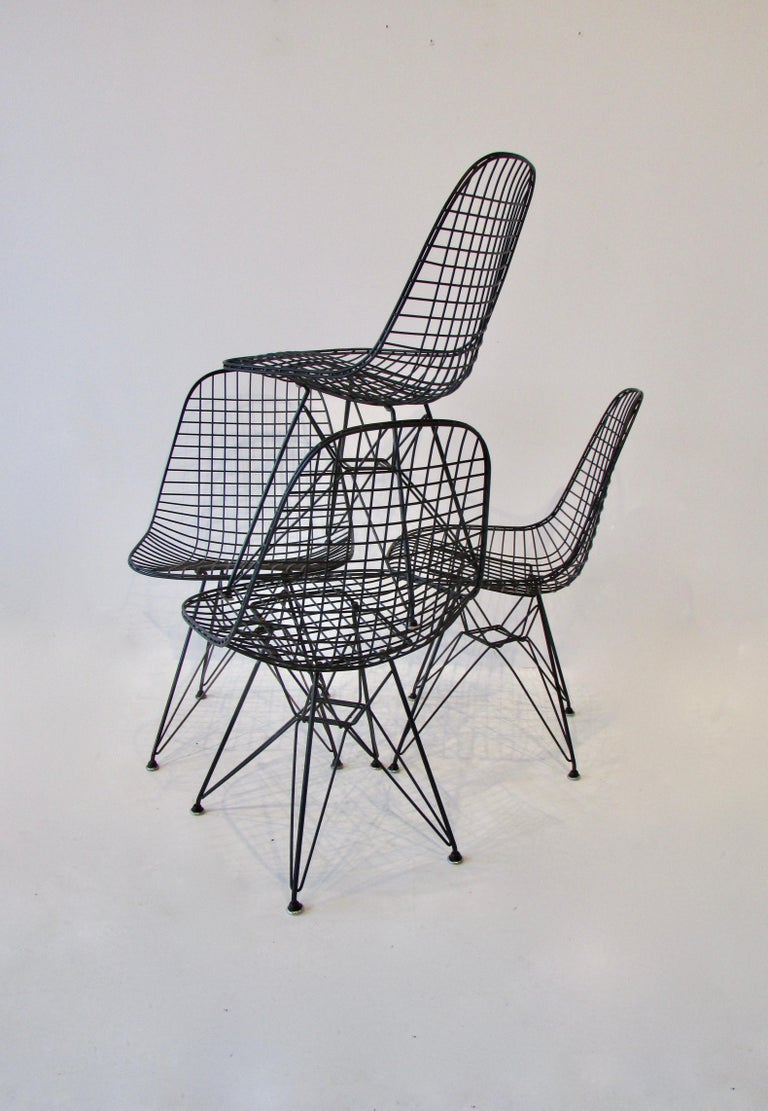 Set of Four Eames for Herman Miller Black DKR Wire Chairs on Eiffel Bases For Sale 4