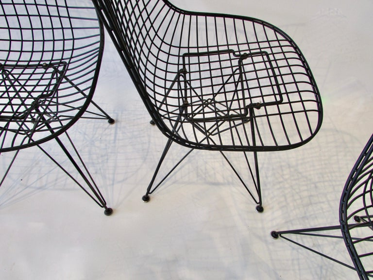 Powder-Coated  Set of Four Eames for Herman Miller Black DKR Wire Chairs on Eiffel Bases For Sale