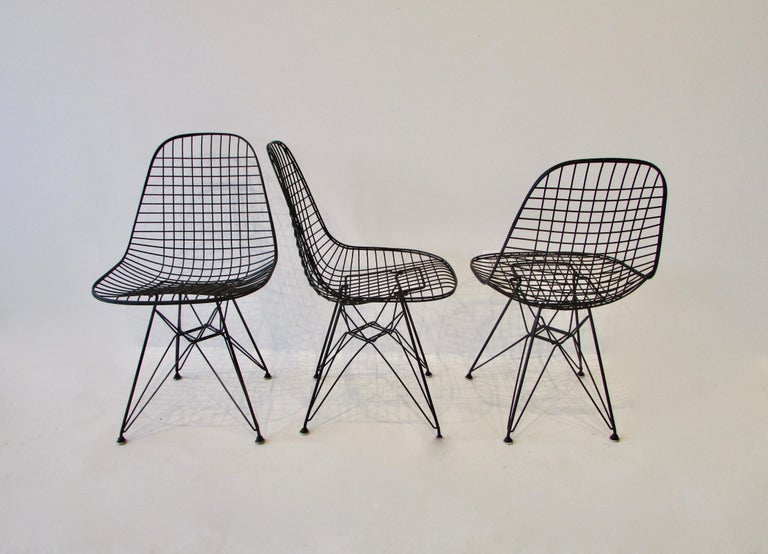 Set of Four Eames for Herman Miller Black DKR Wire Chairs on Eiffel Bases In Good Condition For Sale In Ferndale, MI