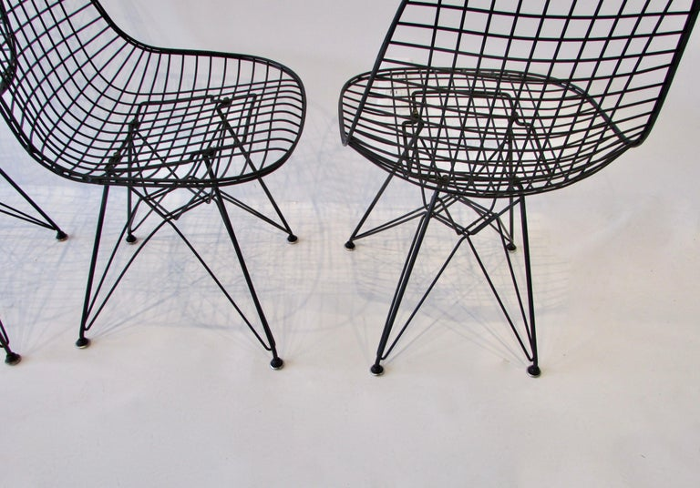 20th Century  Set of Four Eames for Herman Miller Black DKR Wire Chairs on Eiffel Bases For Sale