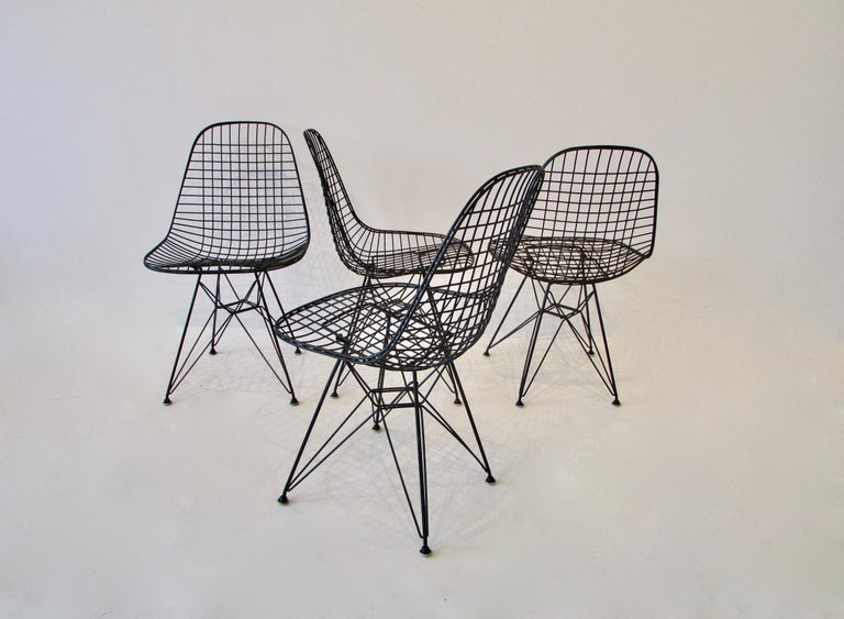 Set of Four Eames for Herman Miller Black DKR Wire Chairs on Eiffel Bases For Sale 1