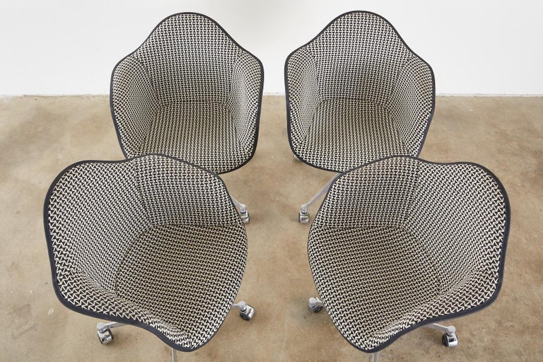Mid-Century Modern Set of Four Eames for Herman Miller Swivel Shell Chairs  For Sale