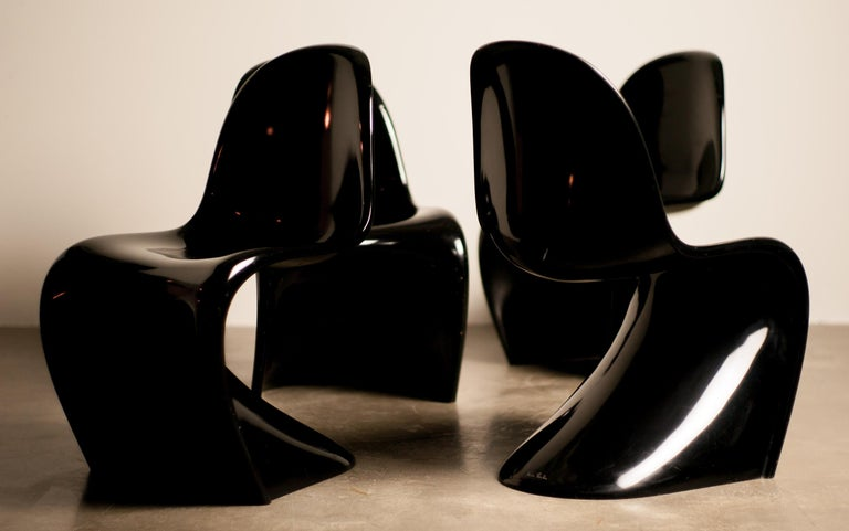 Lacquered Set of Four Early Black Panton Chairs For Sale