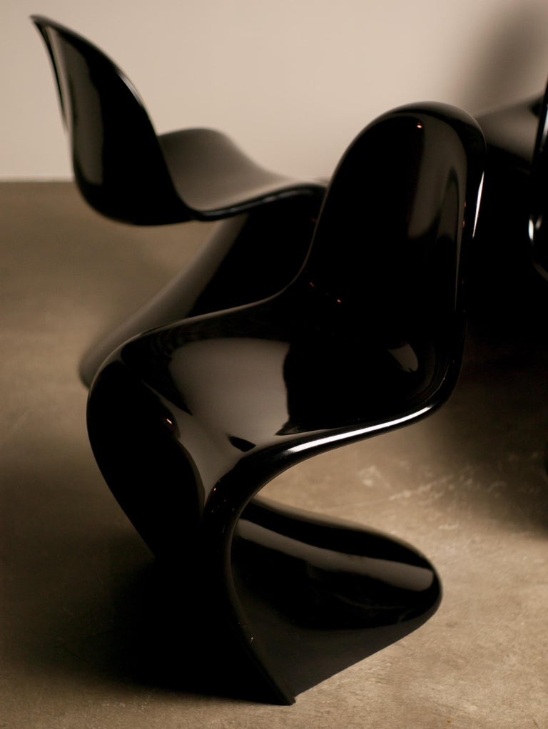 Set of Four Early Black Panton Chairs For Sale 1
