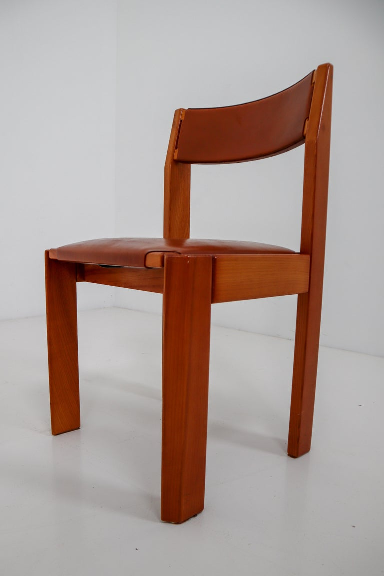 Set of Four Elm Wood and Leather Dining Chairs in the Style of Pierre Chapo For Sale 4