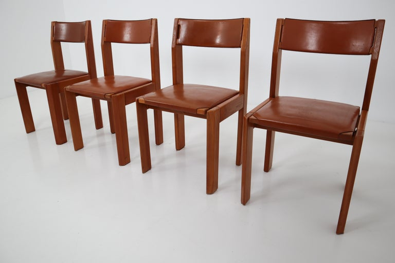 Set of Four Elm Wood and Leather Dining Chairs in the Style of Pierre Chapo For Sale 7