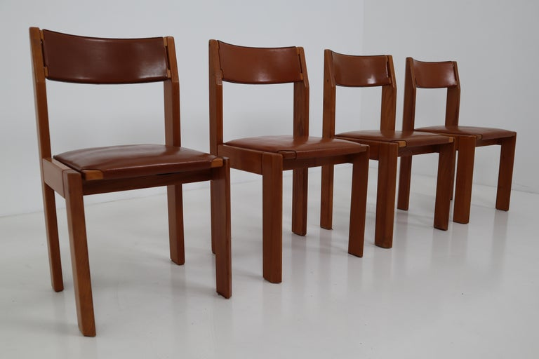 Set of Four Elm Wood and Leather Dining Chairs in the Style of Pierre Chapo For Sale 3