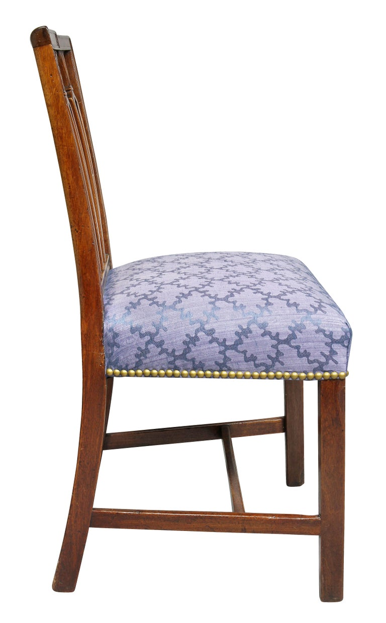 Set of Four Federal Mahogany Side Chairs For Sale 2