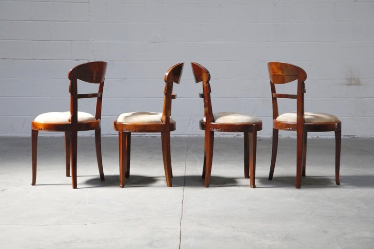 Early 20th Century Set of Four French Art Deco Dining Chairs Attributed to Sue et Mare, circa 1920s For Sale