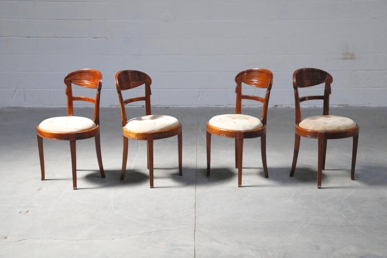 Set of Four French Art Deco Dining Chairs Attributed to Sue et Mare, circa 1920s For Sale 1