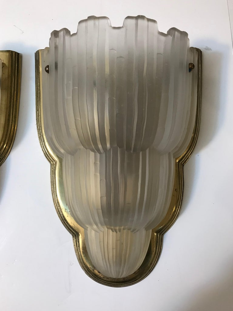 Set of Four French Art Deco Sconces Signed by Sabino In Excellent Condition For Sale In North Bergen, NJ