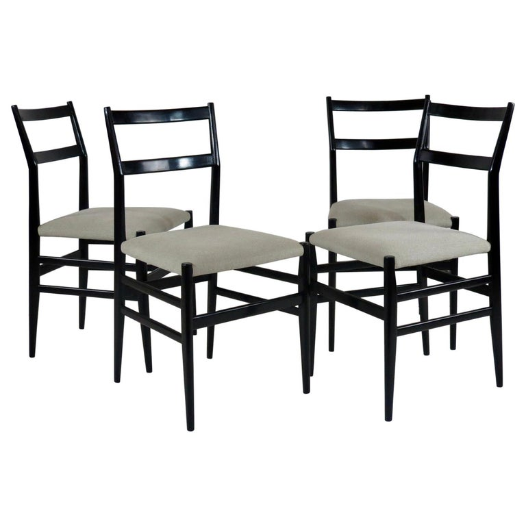 """Set of Four Gio Ponti Black Laquered """"Leggere"""" Chairs 646 by Cassina, 1952 For Sale"""