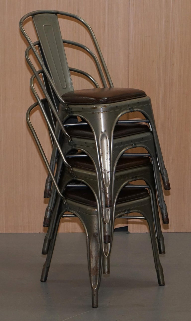 Set of Four Gun Metal Grey Stacking Chairs Tolix V2 with Upholstered Seat Pad For Sale 13