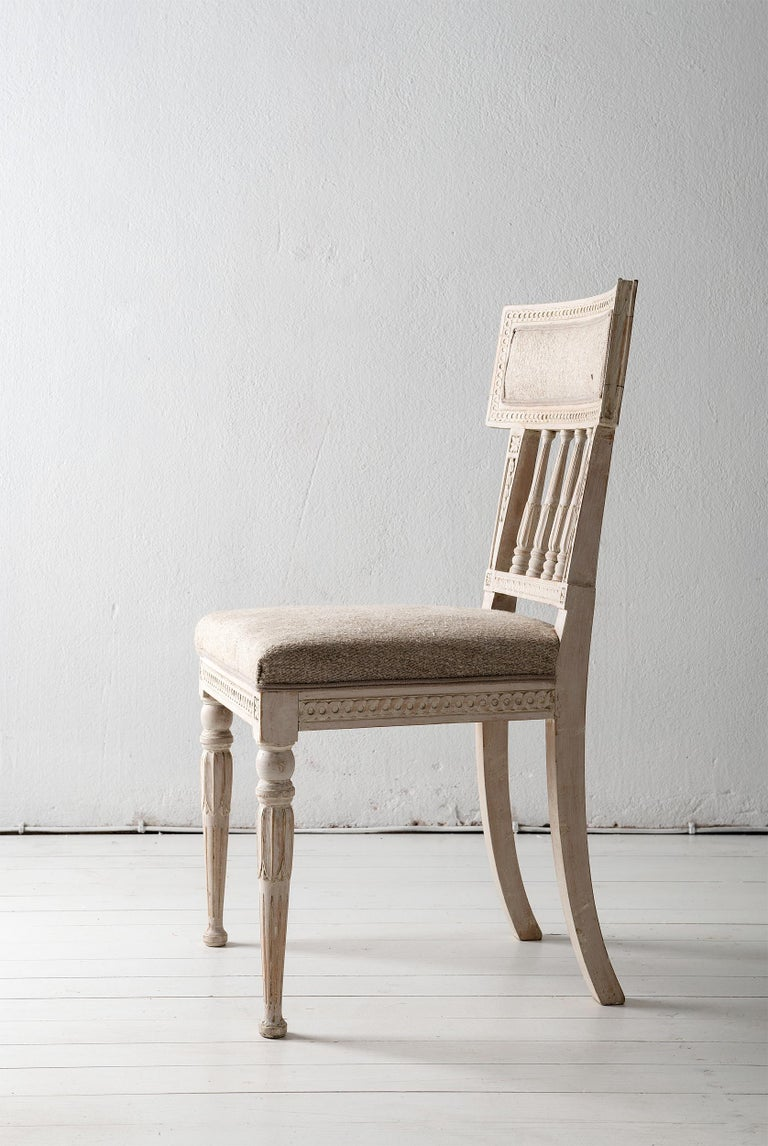 Set of Four Gustavian Dining Chairs In Good Condition For Sale In Jesteburg, DE