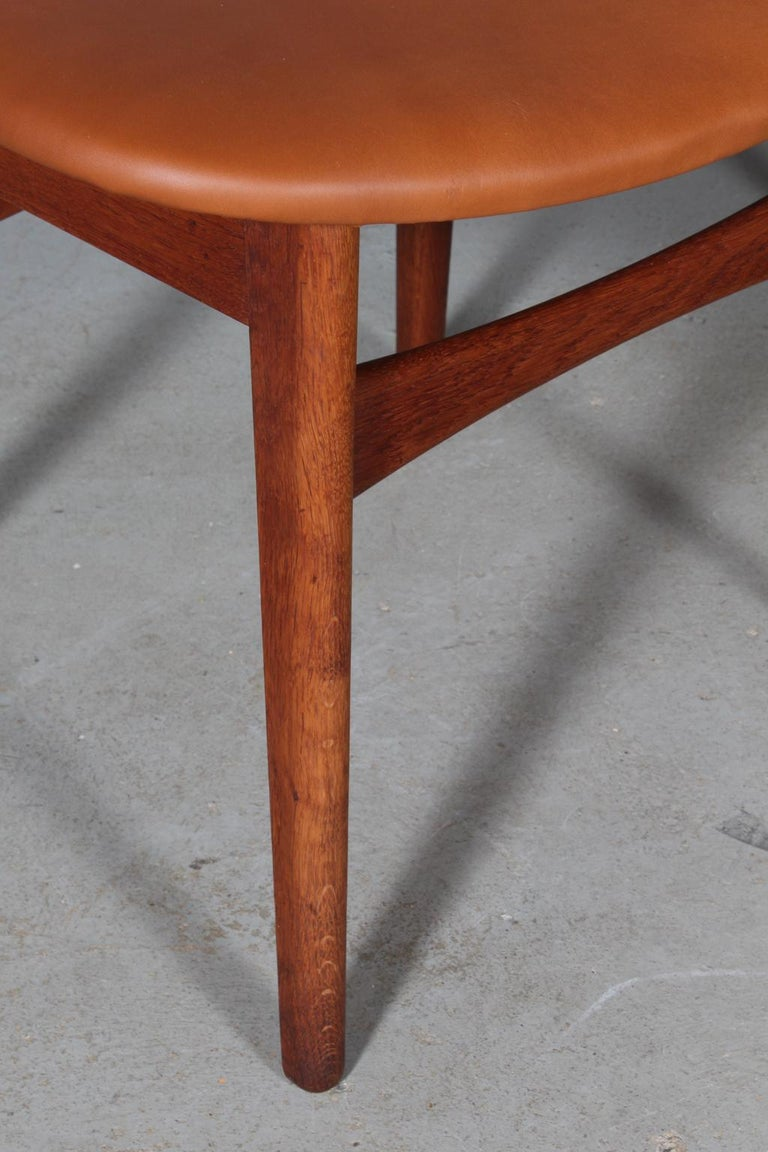 Set of Four Hans J. Wegner Dining Chairs Model CH-30 in Teak and Oak In Good Condition For Sale In Esbjerg, DK