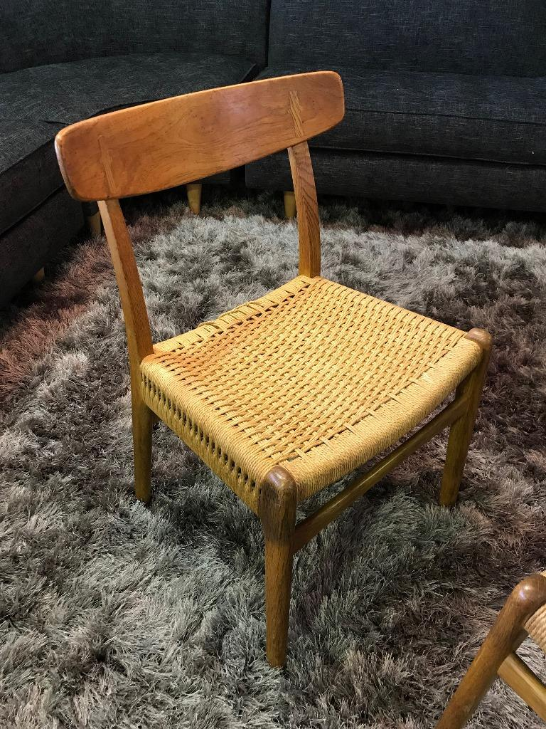 Danish Hans Wegner Set of Four Mid-Century Modern Classic CH23 Dining Chairs For Sale