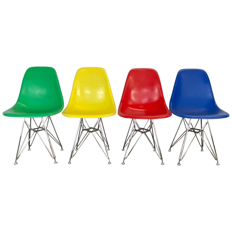 Set of Four Herman Miller Eames Dining Chairs For Sale