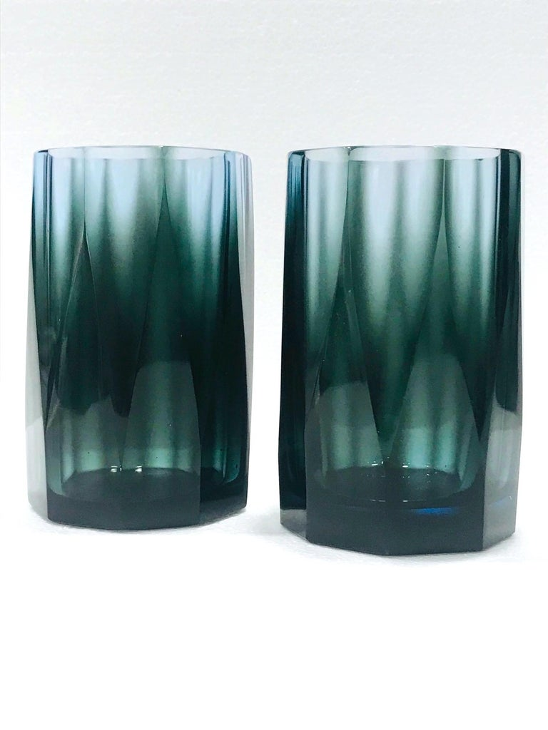 Blown Glass Set of Four Hollywood Regency Barware Glasses with Faceted Design in Blue-Grey For Sale