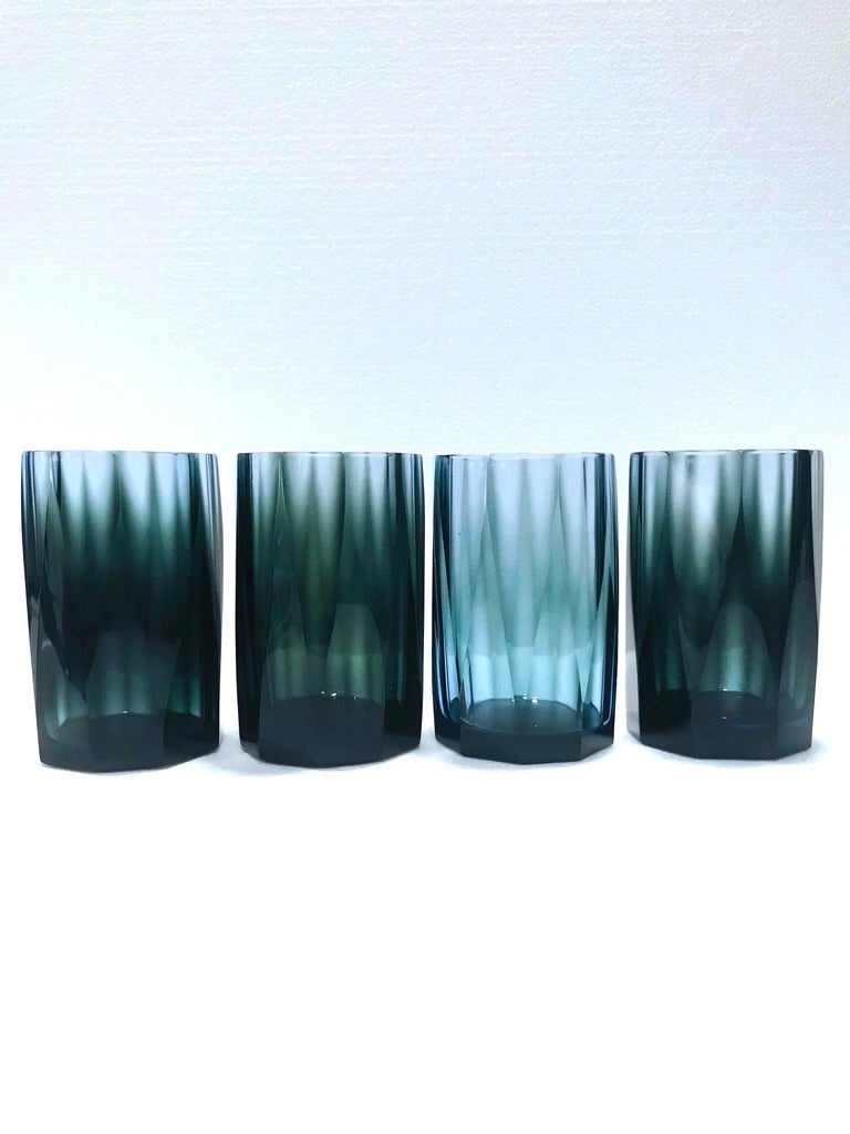 Set of Four Hollywood Regency Barware Glasses with Faceted Design in Blue-Grey For Sale 1